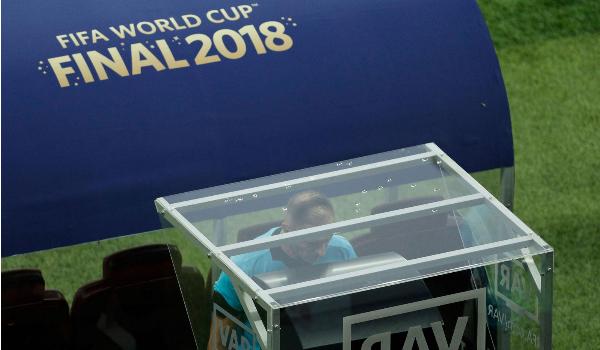 ФИФА признал применение системы ВАР успешным